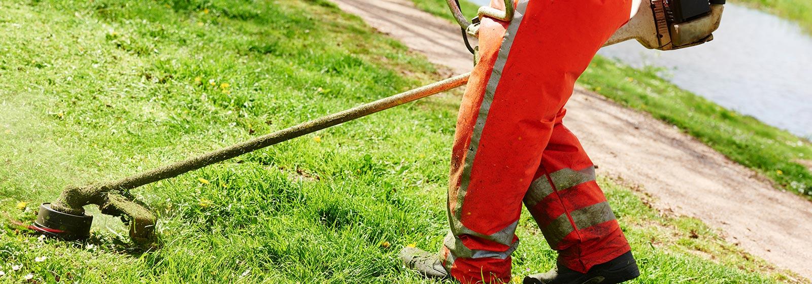 Grounds maintenance ld environmental solutions for Garden maintenance work